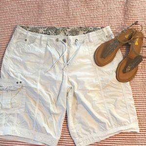 Pants - White cargo shorts